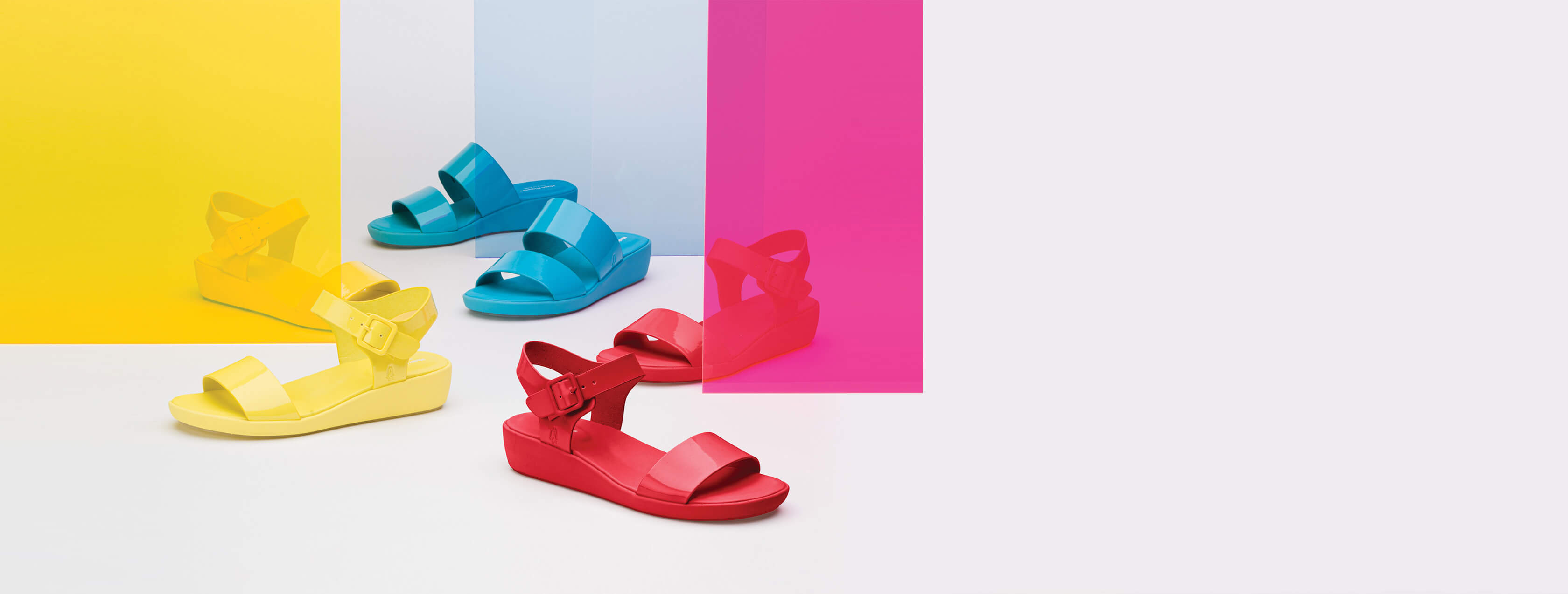 Jell sandals in primary colors.