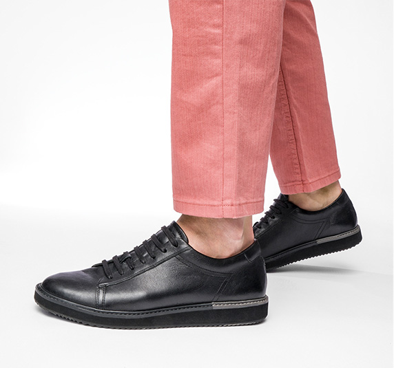NEW URBAN OUTLAWS BOYS SCHOOL SHOES //TRAINERS BLACK